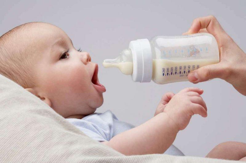 cai sữa cho bé