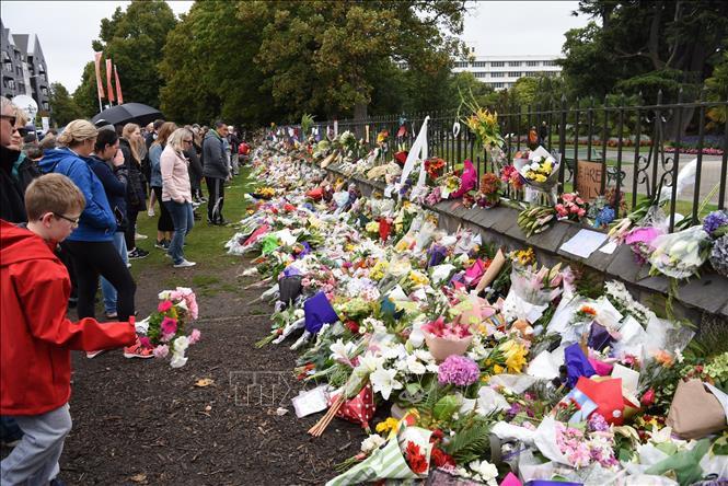người dân tưởng niệm các nạn nhân trong vụ xả súng tại New Zealand