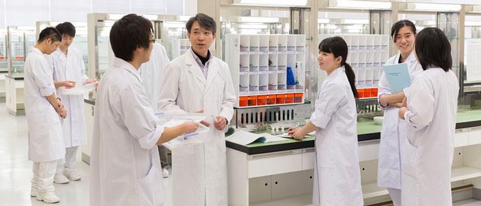Du học Nhật Bản ngành y nên chọn trường nào?